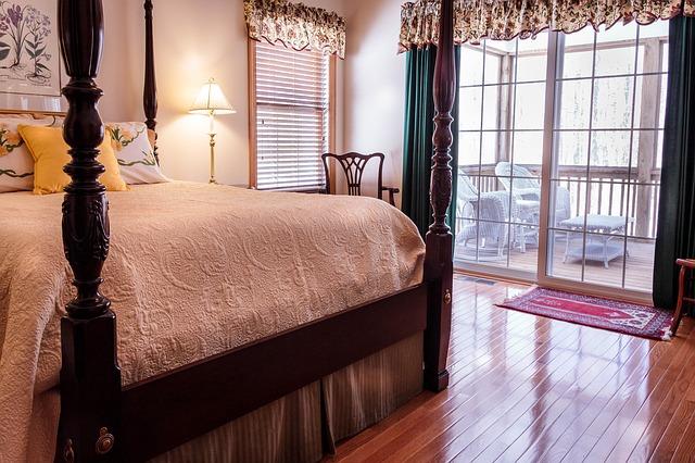 postel z dřeva