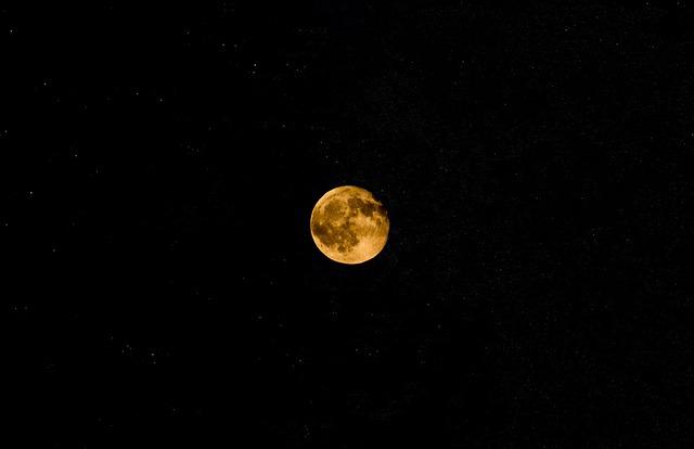 Pohľad na Mesiac.jpg